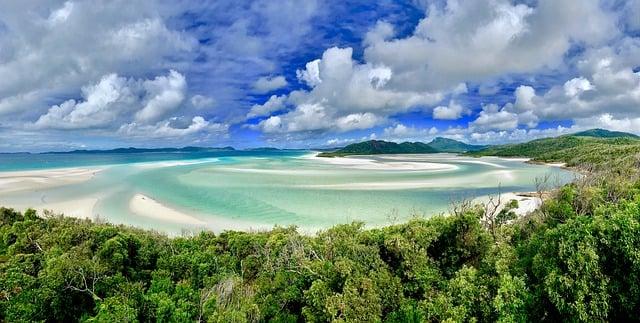 8 BEAUTIFUL BEACHES AROUND THE WORLD