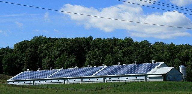Solar Energy in Australia - What is Renewable Energy? - Solar Farm